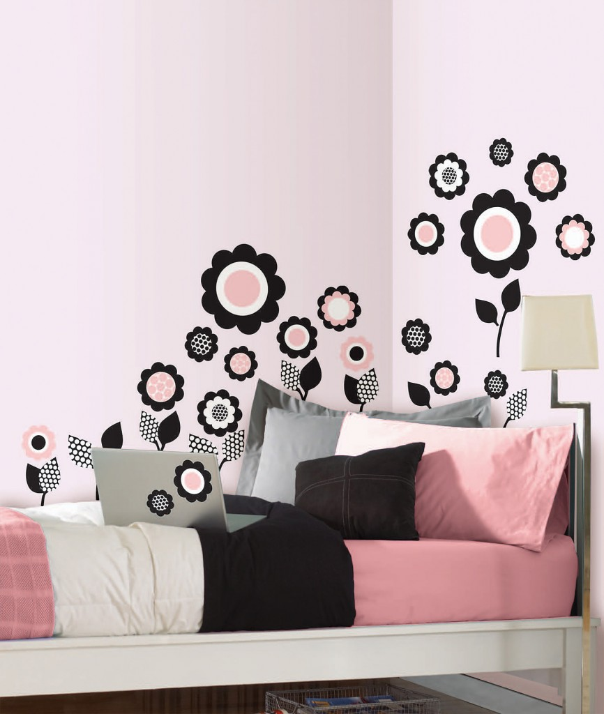WallPops flower wall decals perfect for dorm decor