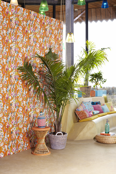 Vintage Floral Print Vivid Wallpaper Feature Wall from Eijffinger