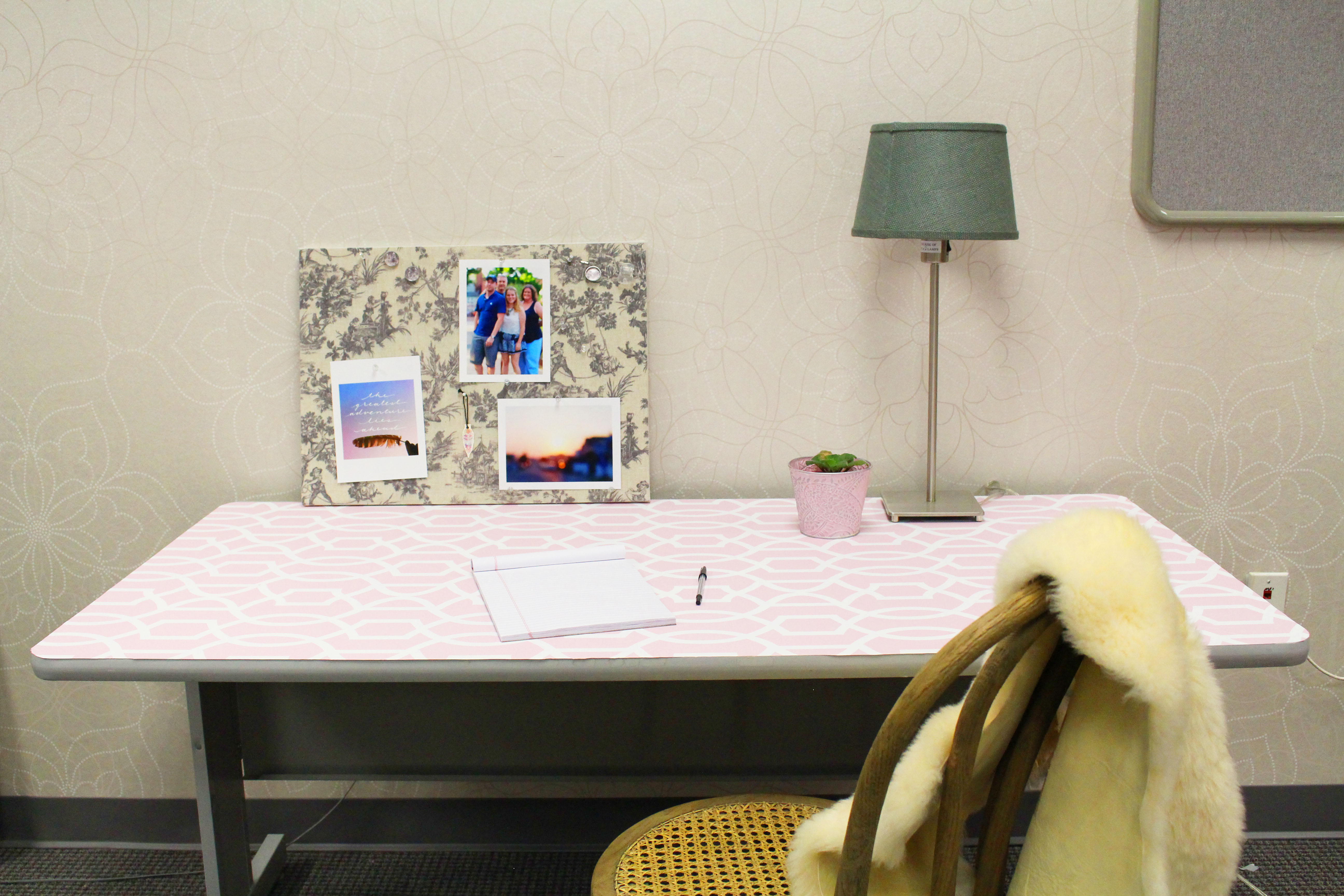 Pink Office Desk DIY