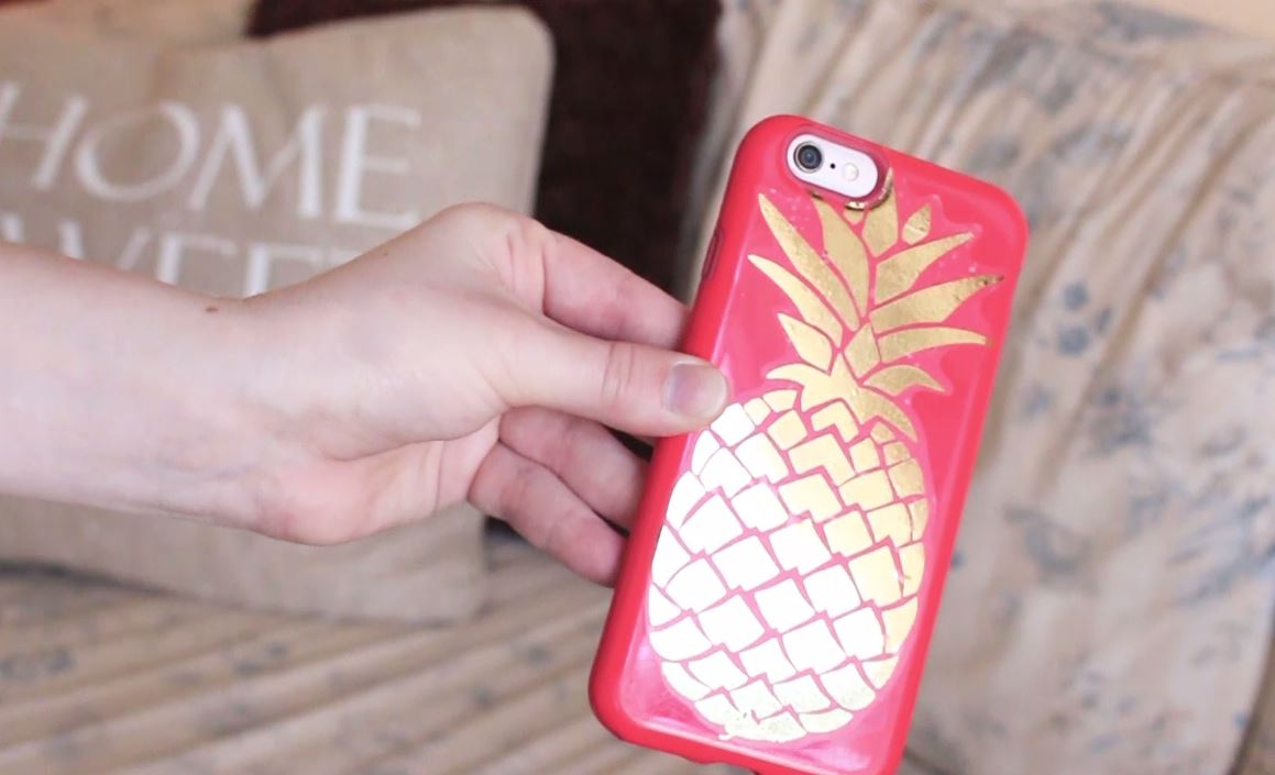 DIY pineapple iphone case